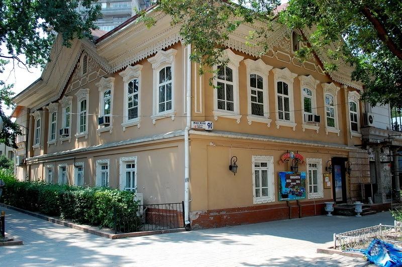 Дом аксакала Сеида Сейдалина. На Жибек Жолы(Горького)-Панфилова. Построен в конце 19 века.