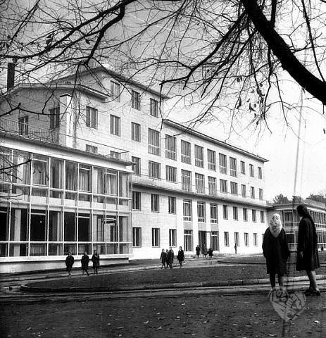 """Дворец пионеров,сейчас на этом месте стоит отель """"Риксос"""""""