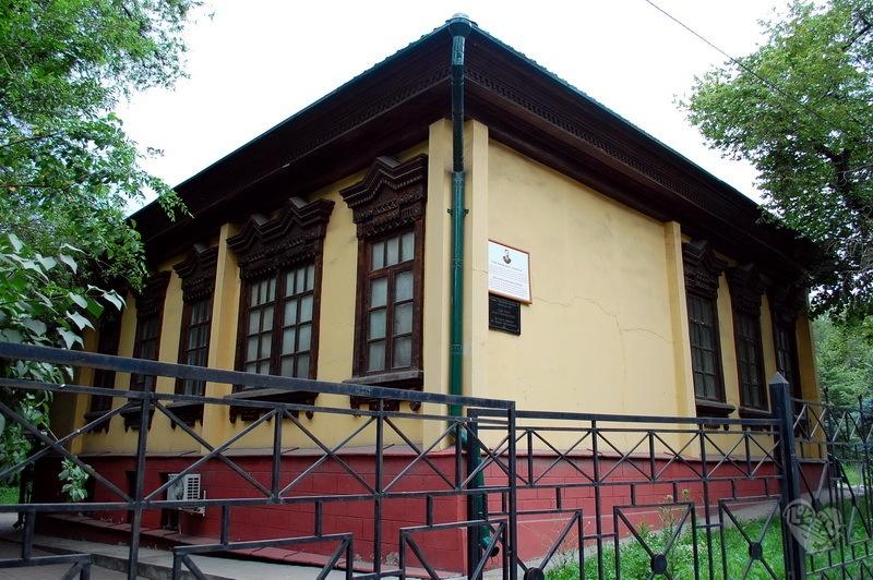 Дом купца Зубова,на Байтурсынова(Космонавтов)-Джамбула,начало 20-века.Архитектор неизвестен.