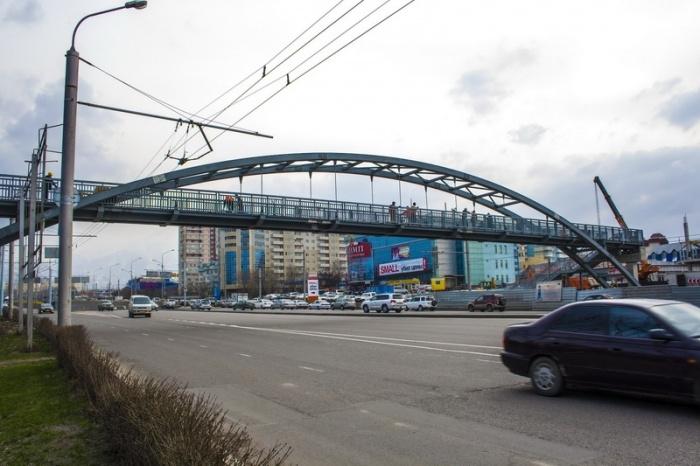 Пешеходный мост на Рыскулова